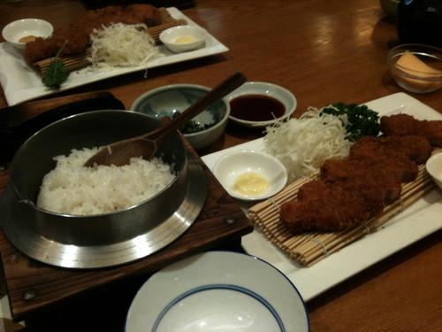 上海 銀シャリの厚切りロースカツ定食