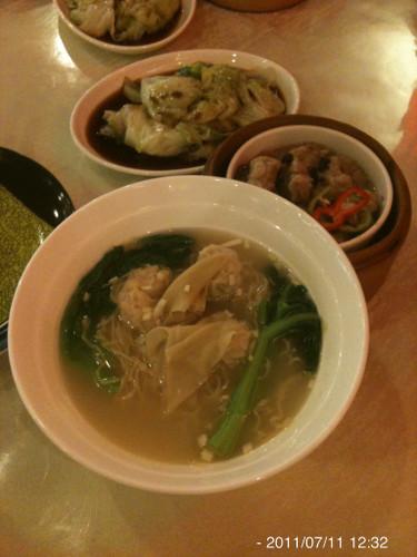 広東風ワンタン麺